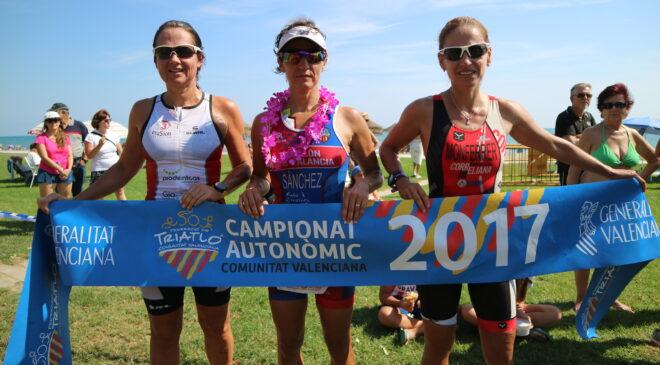 Inma Sánchez y Jordi Gil Campeones Autonómicos de Triatlón Cross en Oropesa del Mar.