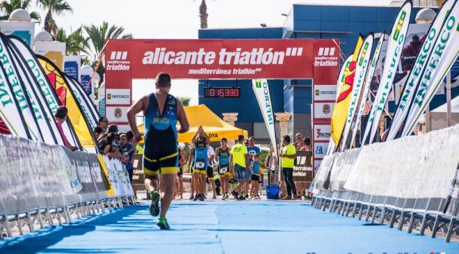 Gran fin de fiesta en el Alicante Triatlón con la competición olímpica y sprint.