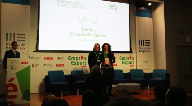 La Federación de Triatlón recibe un segundo premio Emprén Esport