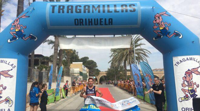 Jesús Gomar y Laura Duran vencen en el VI Triatlón Playas de Orihuela