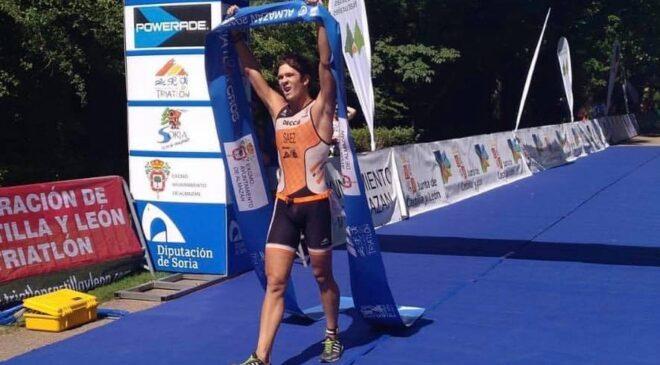 Destacada participación de las triatletas y los triatletas valencianos en Almazán