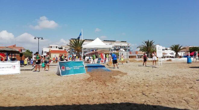 Sonia Ruiz y Francisco Manuel Ramirez vencen en el II Aquatló Popular Platges de Xilxes.