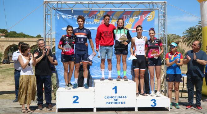 Noelia Juan y Jesús Gomar campeones autonómicos de triatlón sprint