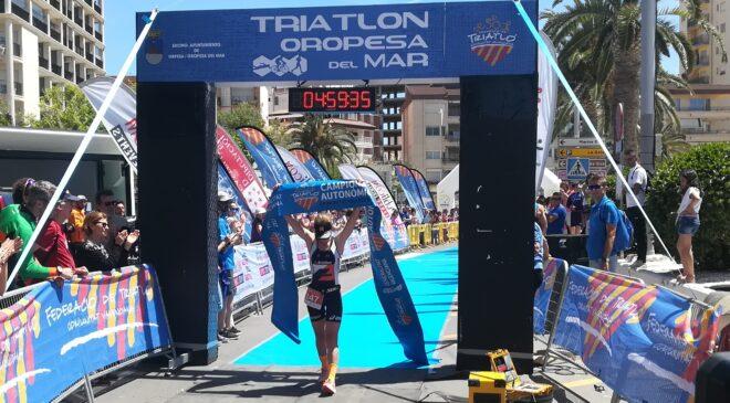 Teresa Ribes i Fernando Santander campions autonòmics de triatló de mitja distància