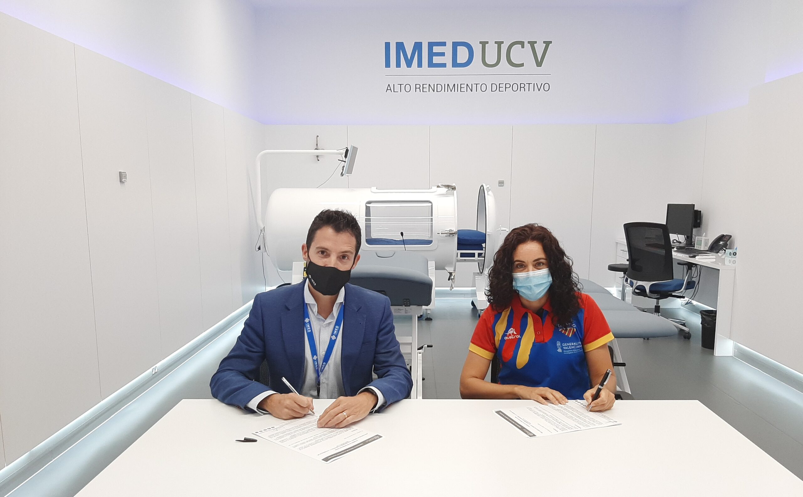 Firma convenio IMED Hospitales